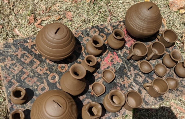 Clay pots in the Make | Gateway to East