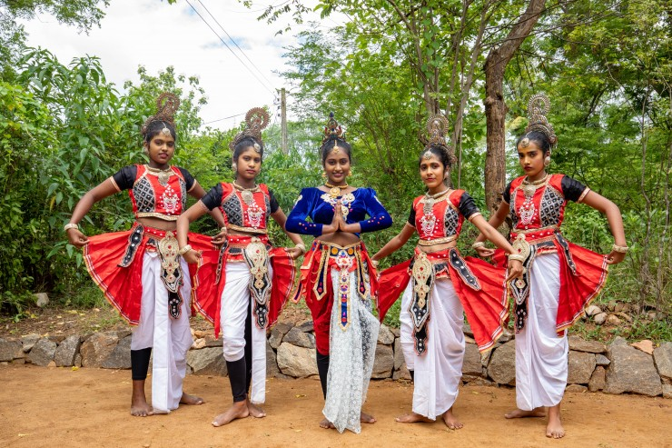 Traditional Dance Performance | Gateway to East